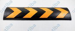 Zabezpieczenie ściany kauczukowe 81x23x1,5cm, wyposażone w pasy folii odblaskowej